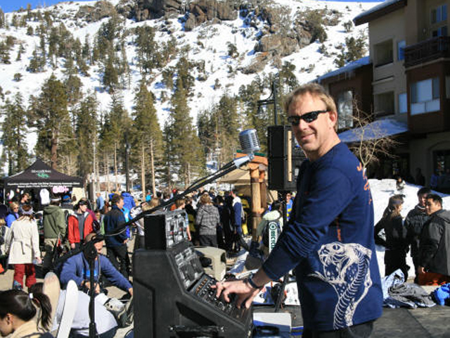 DJ playing at après ski event