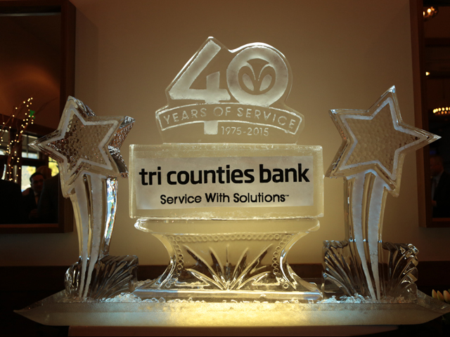 Tri Country Bank Ice Sculpture