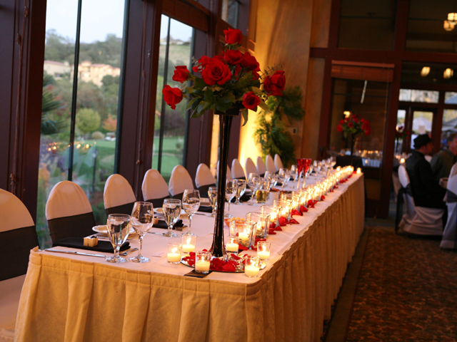 Head Table set at Whitney Oaks Golf Club
